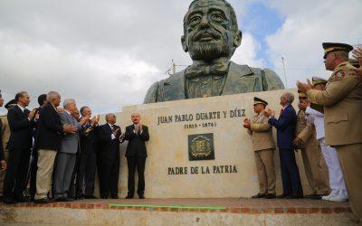 Presidente Danilo Medina encabeza acto inaugural Padres de la Patria honran la Bandera